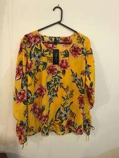 Beautiful Bright Blouse (size 20)