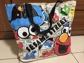 🚚 日本 環球影城 芝麻街購物包 手提包 肩背包 包包