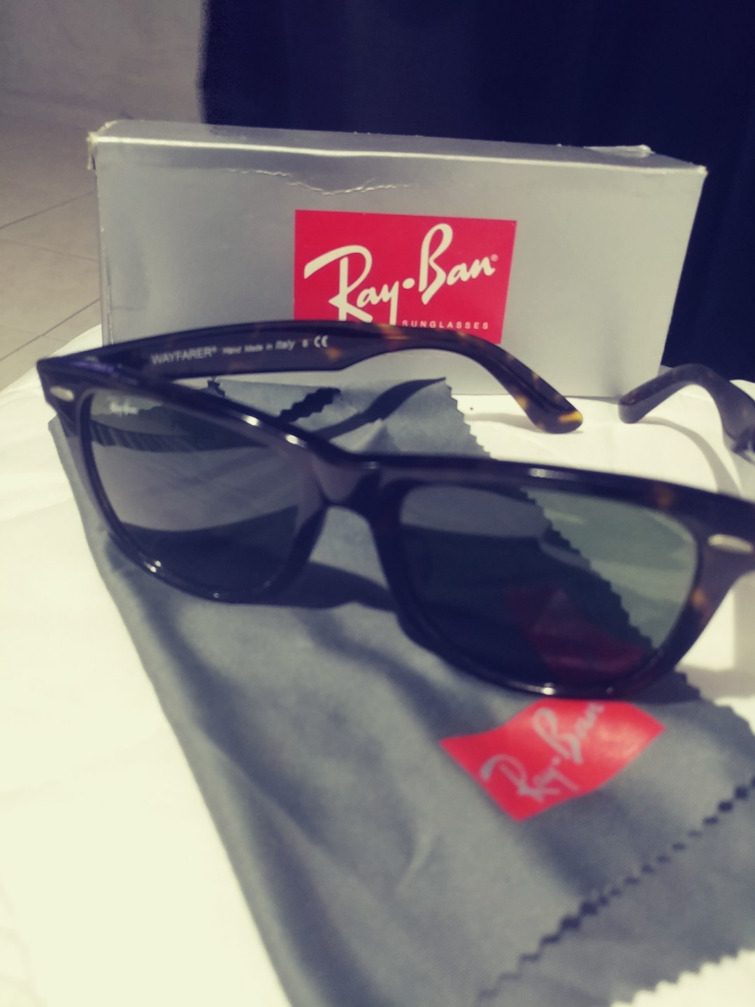 c4201f2780760 Authentic rayban wayfarer tortoise shell. A lil chip that hardly can ...