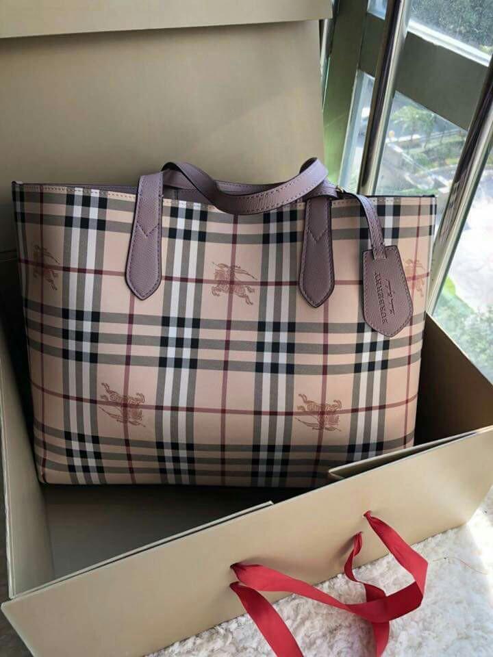 c28215b39 Burberry Reversible Haymarket Tote Bag lilac, Women's Fashion, Bags ...