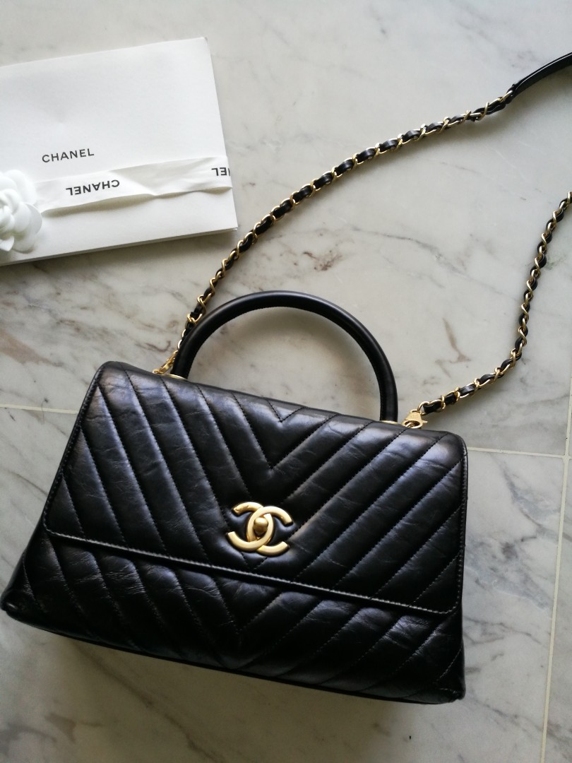 ebe405d2e771b7 Full set Chanel coco handle chevron small size, Luxury, Bags & Wallets,  Handbags on Carousell