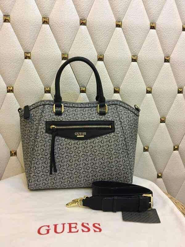 Guess Sling Bag  Hand Bag b88748181567c