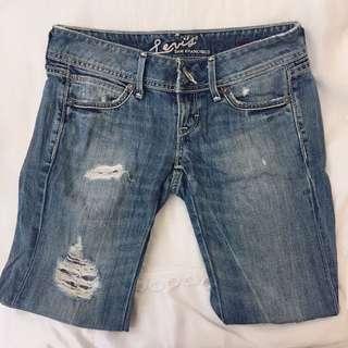 8.5成新✨Levis 牛仔褲 25腰