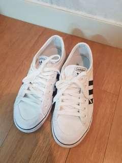 adidas nizza 白色帆布鞋
