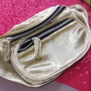 H&M Waist Bag Gold
