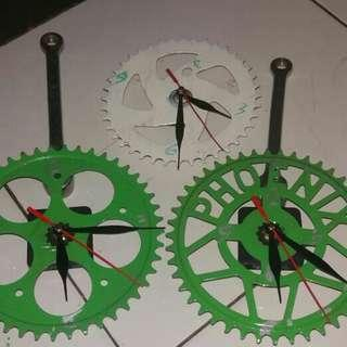 Jam dinding gear sepeda