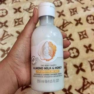 the body shop sabun almond