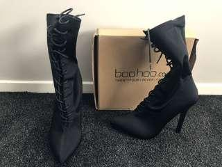 Black boot-size 6
