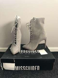 Pointed lace up heel grey- size 6