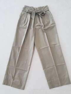 Preloved Zara paper bag khaki pants size XS