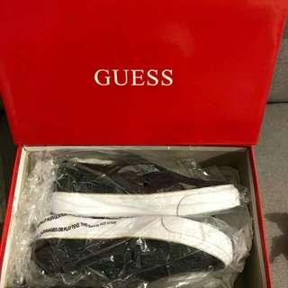 Guess Slip on