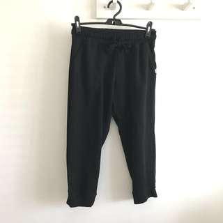 BN Body (By Cotton On) Size XS but can fit S-M Black Drawstring Causal 3/4 Pants Cropped Gym Track Pants @sunwalker
