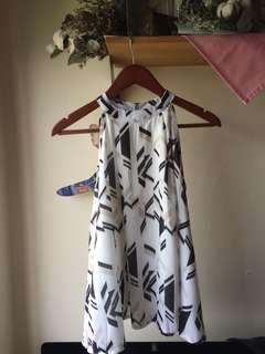 Halter neck geometric print sleeveless blous