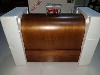 Singer Sewing Machine Wooden Case