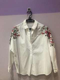 Oversized flower white shirt
