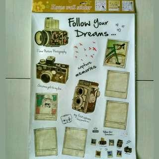 Stiker dinding retro camera with picture frame