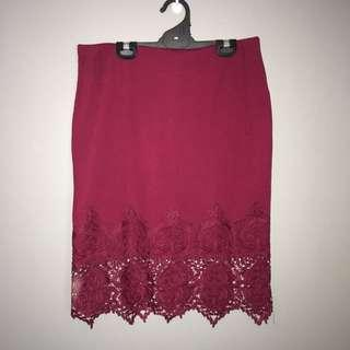 Wine red body con skirt with lace - Size XL