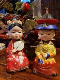 Bubble head clay Chinese emperor and empress  vintage