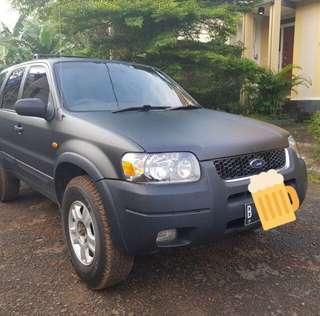 Ford escape hitam manual 2004