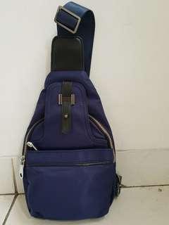 Sling Bag Import Tas Selempang Pria BARU ex Kado Cross body Bag Nylon tebal Tali Tas dapat dipindah ke kiri atau ke kanan BOLEH NEGO