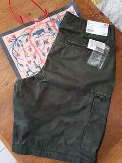 Uniqlo camouflage cargo shorts for Men