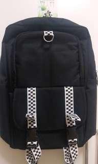黑色格仔書包