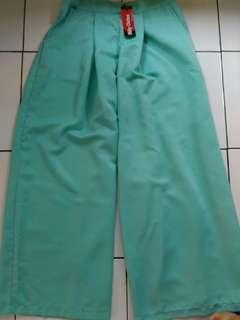 celan kulot hijau muda only 60 rb