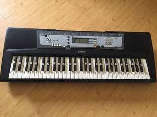 Yamaha PSR E213 Keyboard 61 Keys