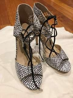 Sportsgirl leather heels(Animal print)