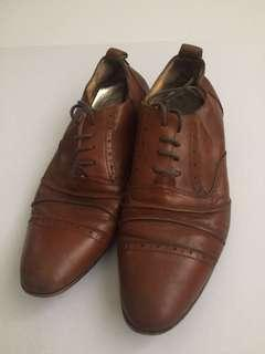 FREE POSTAGE!! John Christopher Casual Shoes | PRELOVED ITEM