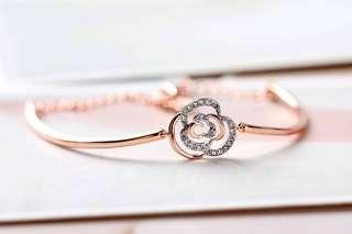 Swarovski ENDEARING bracelet lady bracelet rose gold personality flower bracelet jewelry accessories