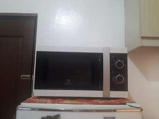 Electrolux White Microwave Oven