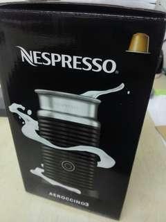 Nespresso Aeroccino 3 (Red)