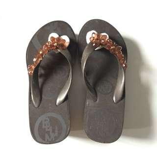 BUNDLE: Preloved Slippers