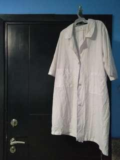 Used Laboratory Gown