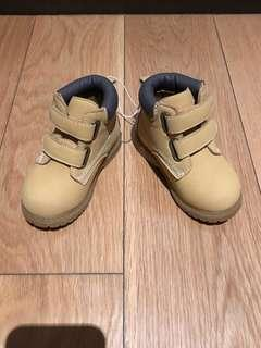Koalakids brown boots (sz 6us)