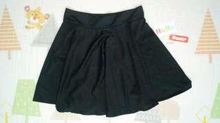 (M-L) Black Stretchable Skirt