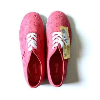 BNEW: Coral Sneaker Shoes