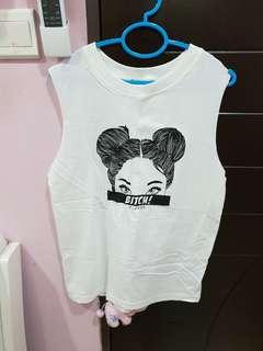 Top with no sleeve- white (M to L) (brand new)