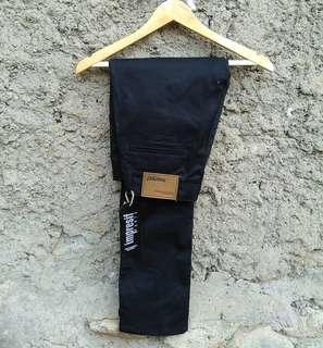 Celana chino diatro bandung merk malmo