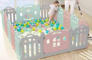 Baby playpen or play fence (comes free with playmat and balls) slightly neg