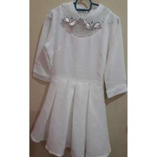 (NEW WITH TAG) White Swan Knee Length Dress #MidSep50