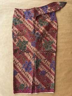 (S) Traditional diagonal snail maroon 3/4 floral batik skirt
