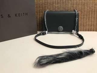 Charles and keith hand/Sling bag
