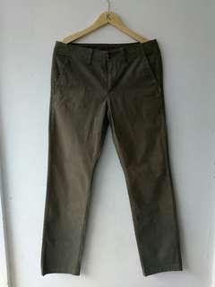 Uniqlo chinos pants sz 35