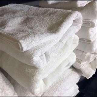 BUY5FREE1 Large White Towels 60 x 120 cm