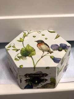 蝶古巴特飾物盒 小六角形