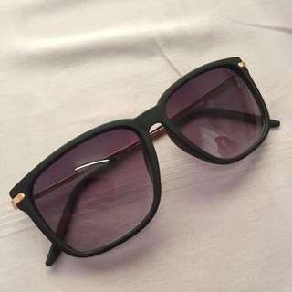 Sunglasses by Vincci Accessories