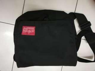 Manhattan porter sling bag