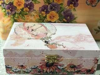 蝶古巴特木盒